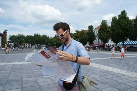 Me struggling with the map in Bruges (Jul 14)