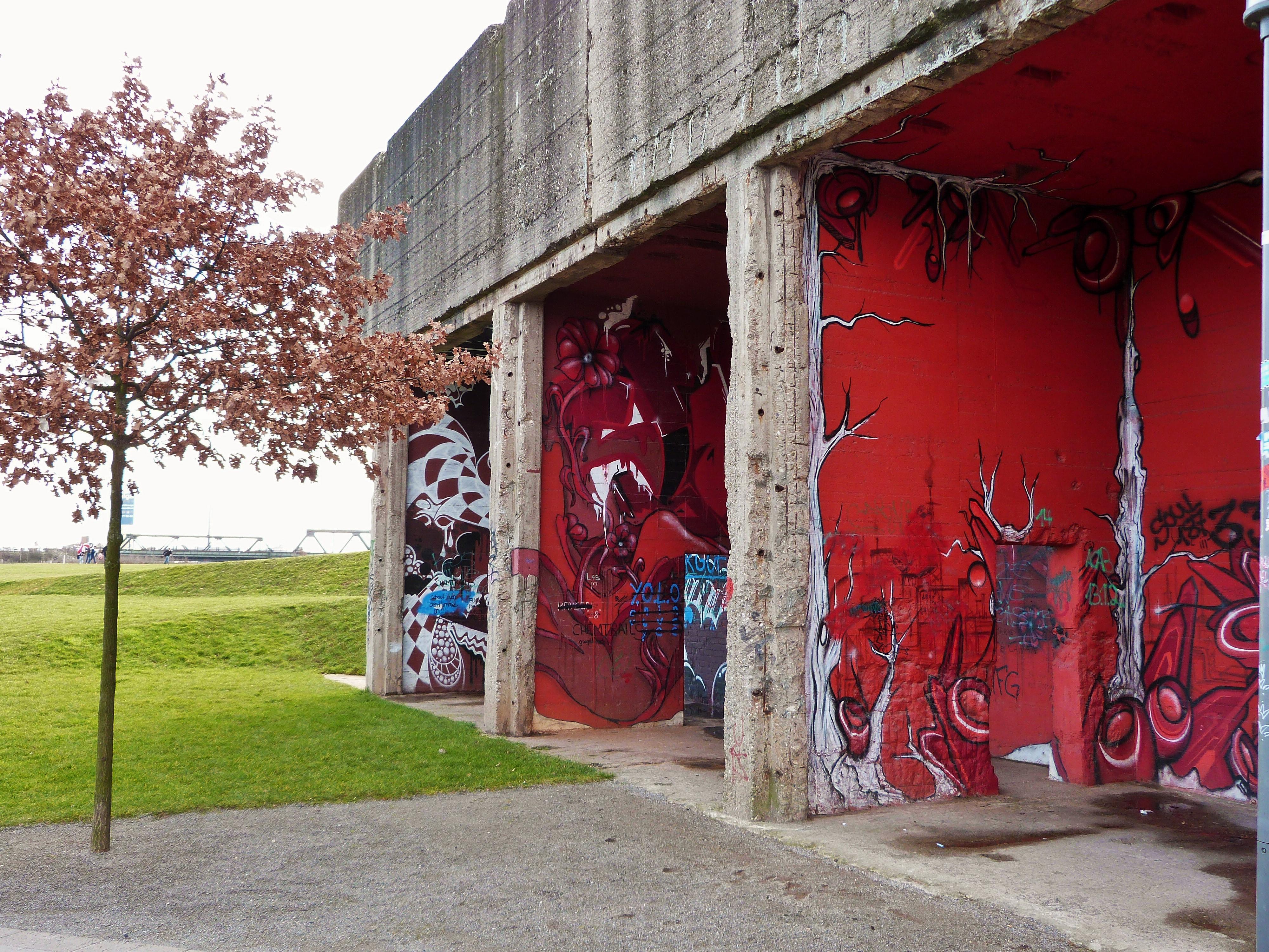 Graffiti Duisburg rheinpark graffiti duisburg 2 continental breakfast travel