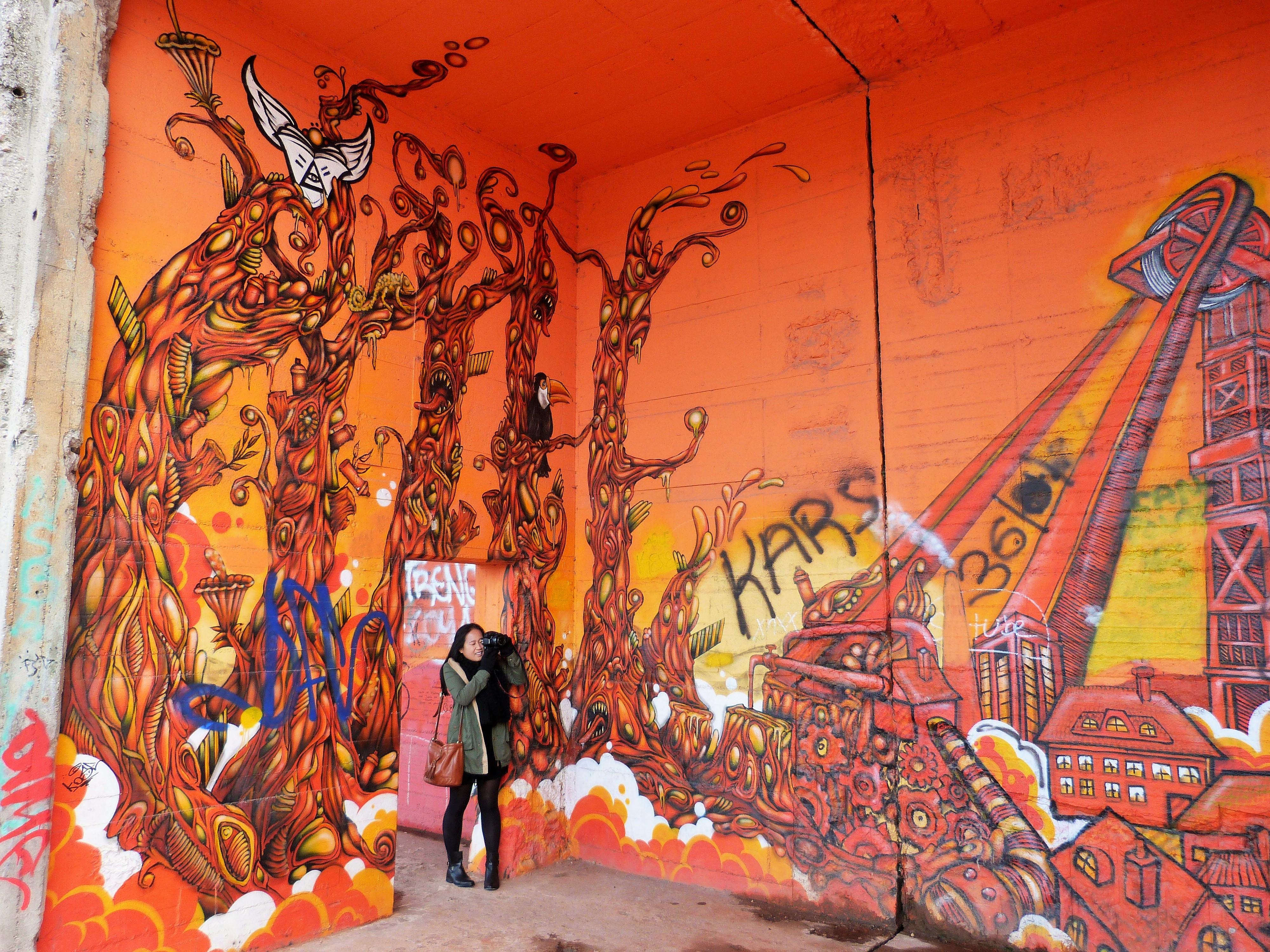Graffiti Duisburg rheinpark graffiti duisburg 3 continental breakfast travel