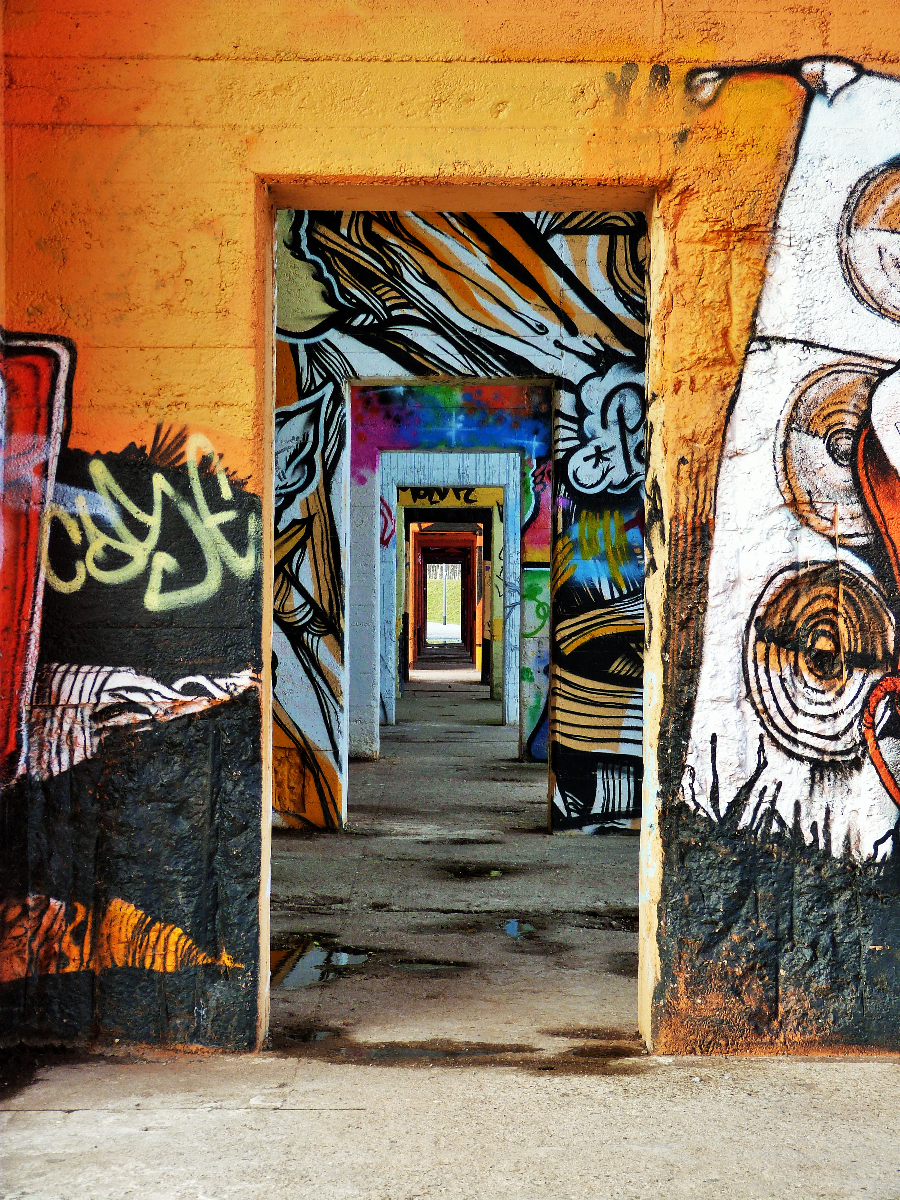 Graffiti Duisburg rheinpark graffiti duisburg 5 continental breakfast travel